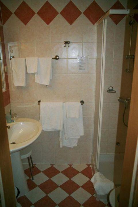 Bad mit Dusche Island Hotel Katarina