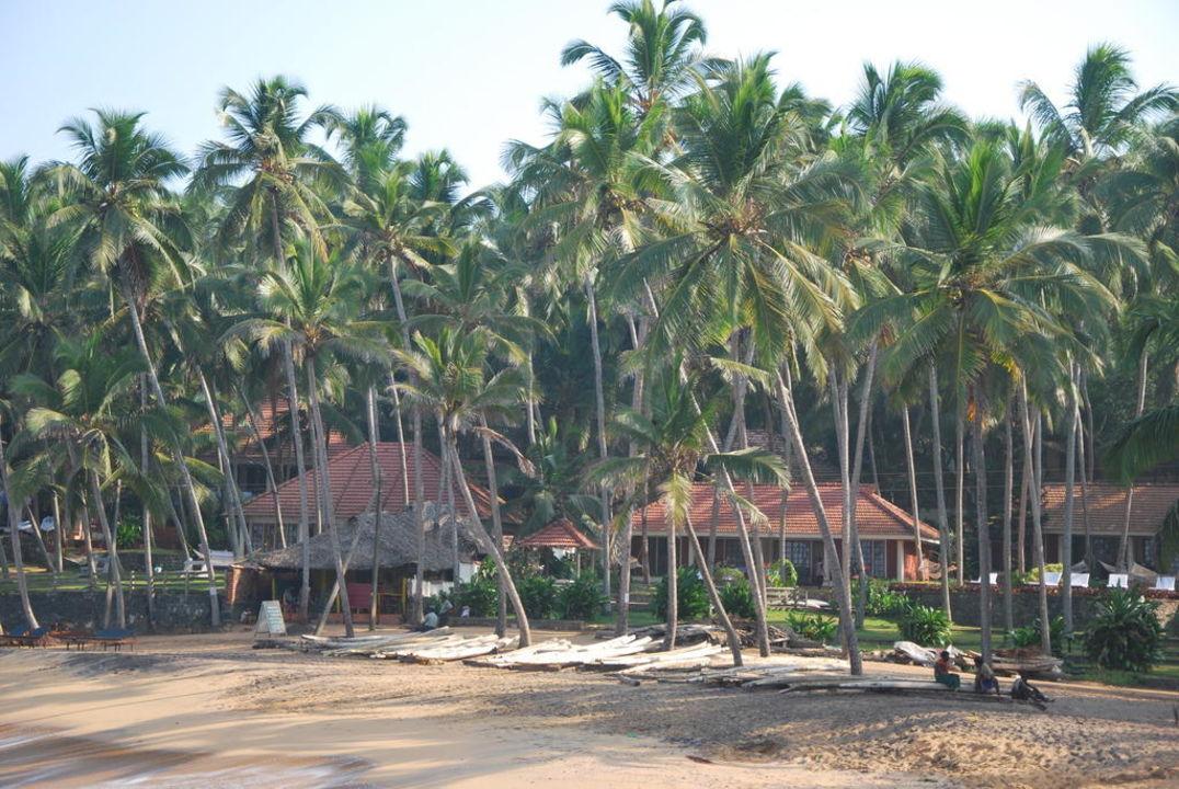 Blick vom Strand zur Anlage Hotel Coconut Bay Beach Resort