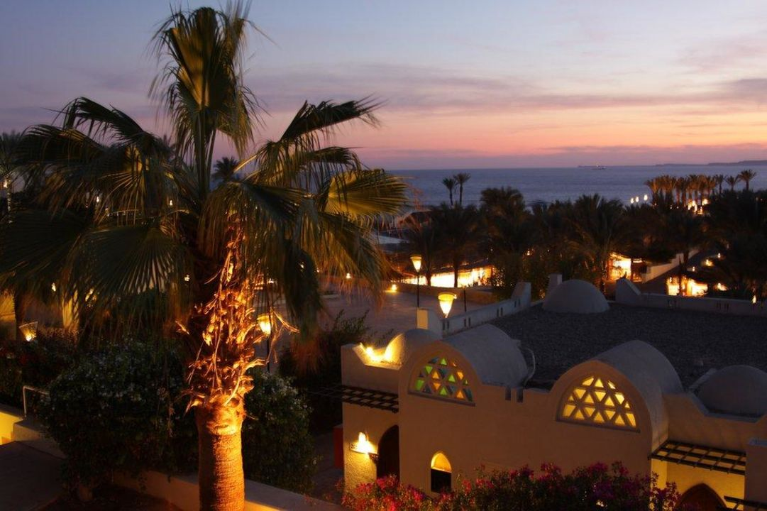 Blick aus dem Zimmer mit Sonnenuntergang Hotel Reef Oasis Beach Resort