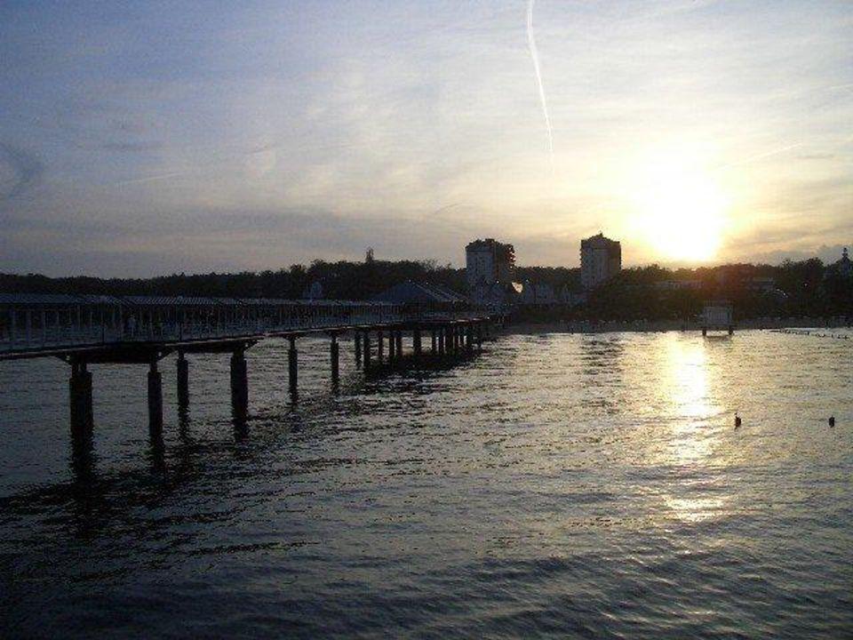 Von der Seebrücke aus Ferienwohnungen Kaiservillen - Ferienwohnungen Seebrücke