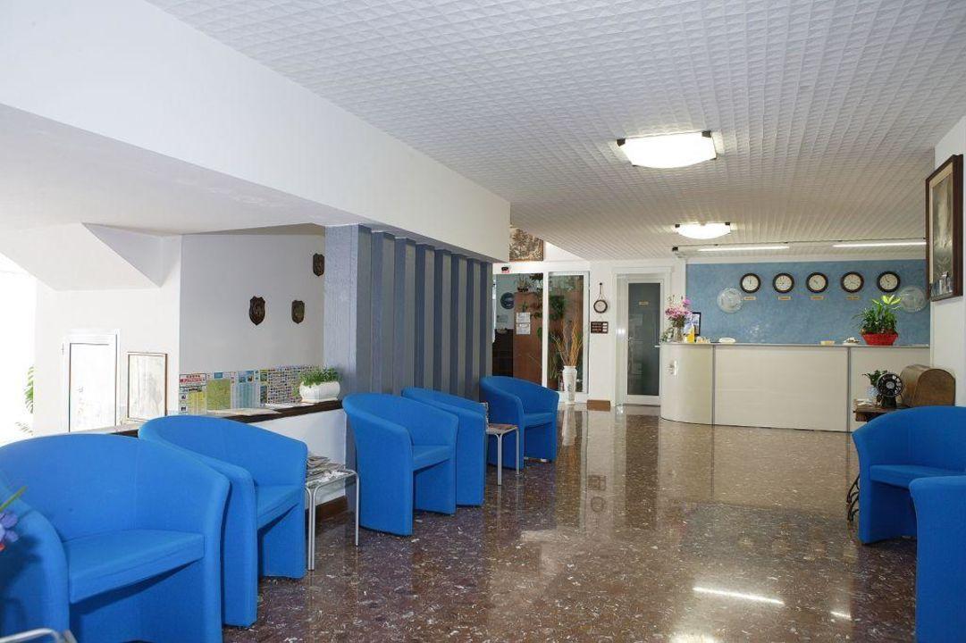 Hall/Entrata Hotel Ai Pini