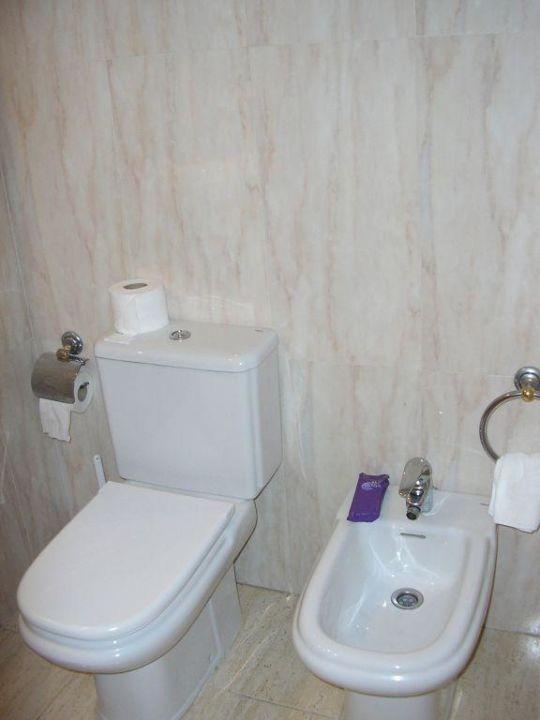 WC Zimmer Hotel H10 Conquistador