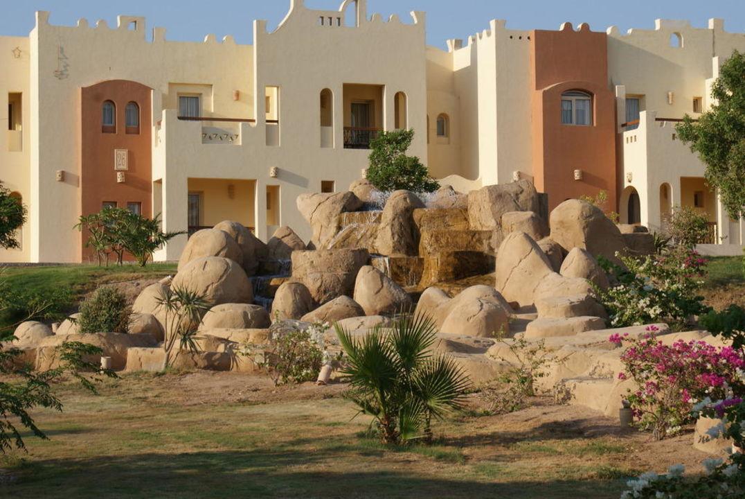Teil der Gartenanlage SUNRISE Select Royal Makadi Resort