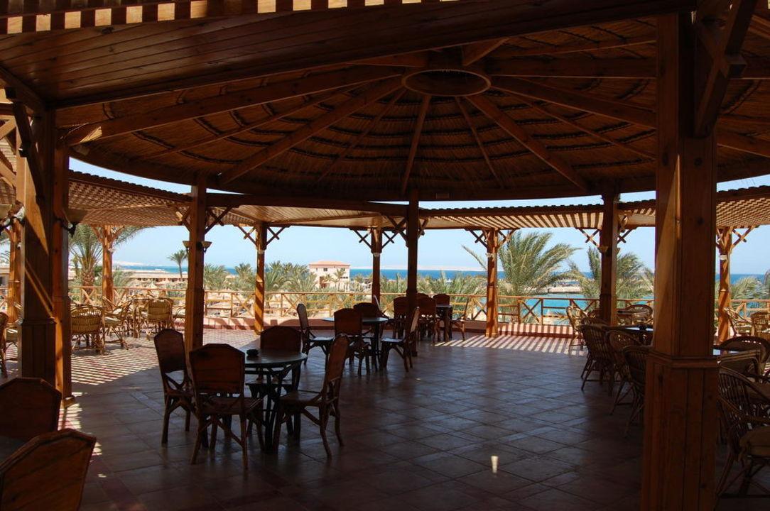 Zum Essen Beach Albatros Resort