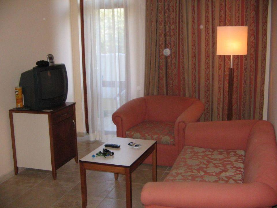 Wohnbereich des Appartements im Melas Resort Hotel Melas Resort