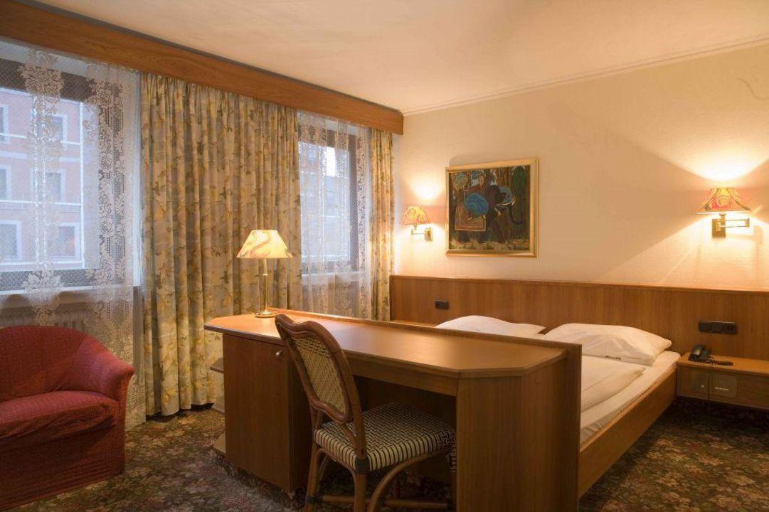 zimmer hotel europ ischer hof m nchen m nchen. Black Bedroom Furniture Sets. Home Design Ideas