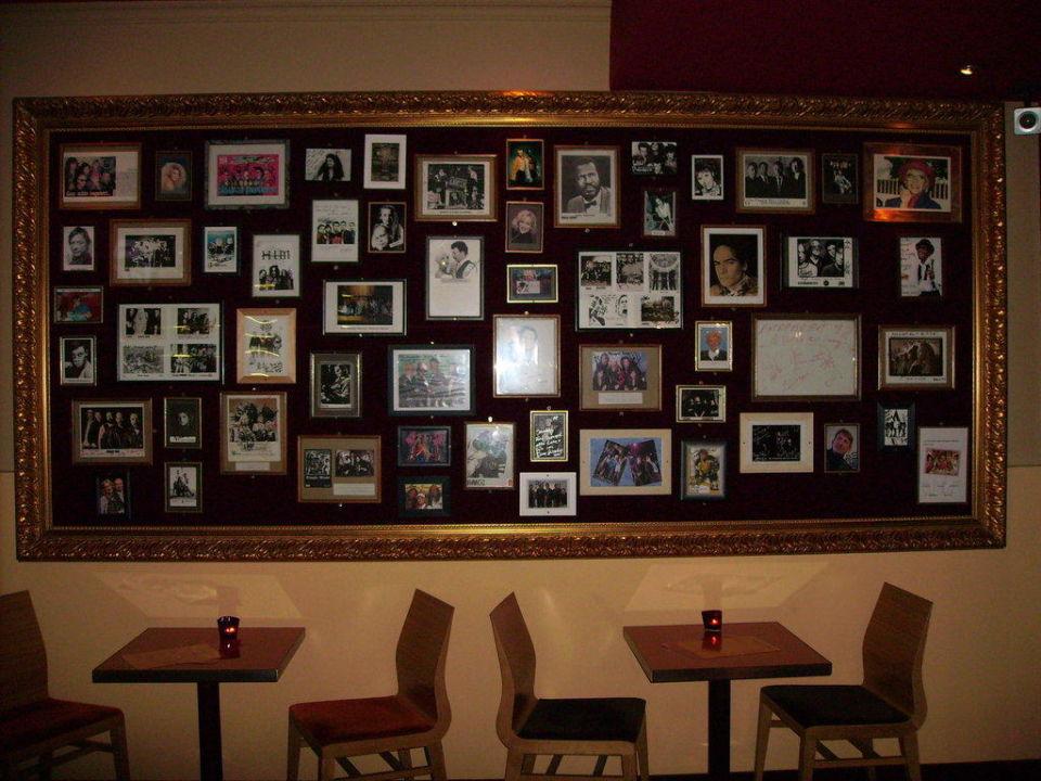 Prominentenbesuchertafel-Bar CityHotel Monopol