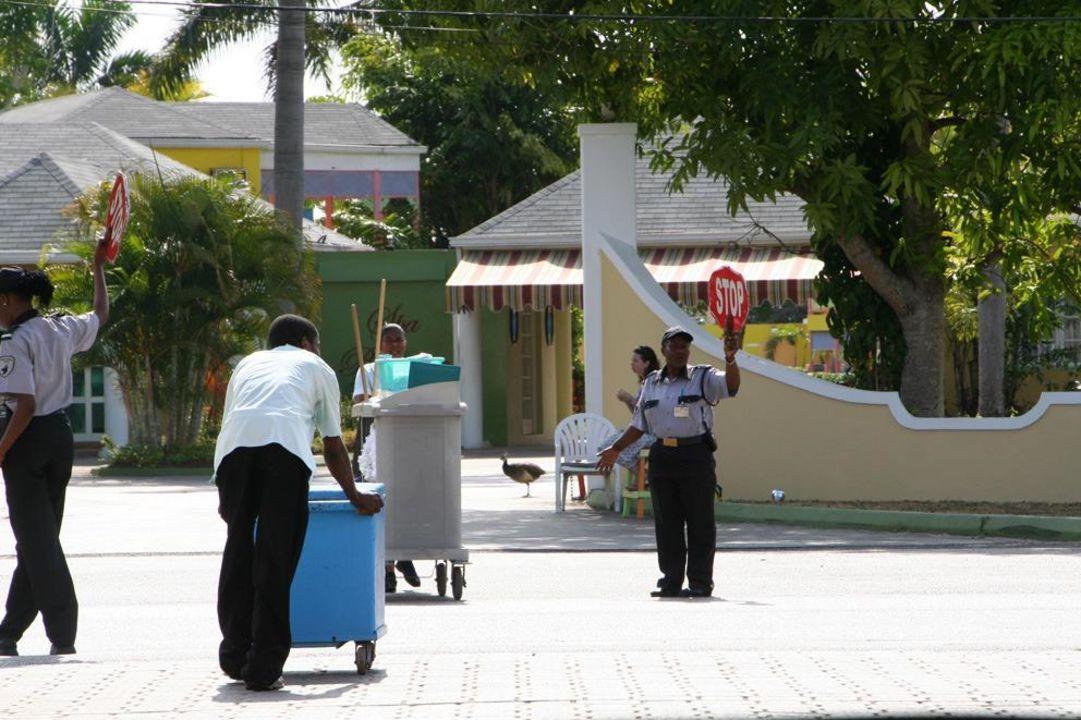 Der Sicherheitsdienst Hotel Grand Pineapple Beach Negril