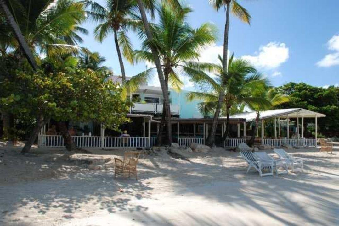 Blick auf Coconut Grove im Sibones vom Meer aus Hotel Siboney Beach Club