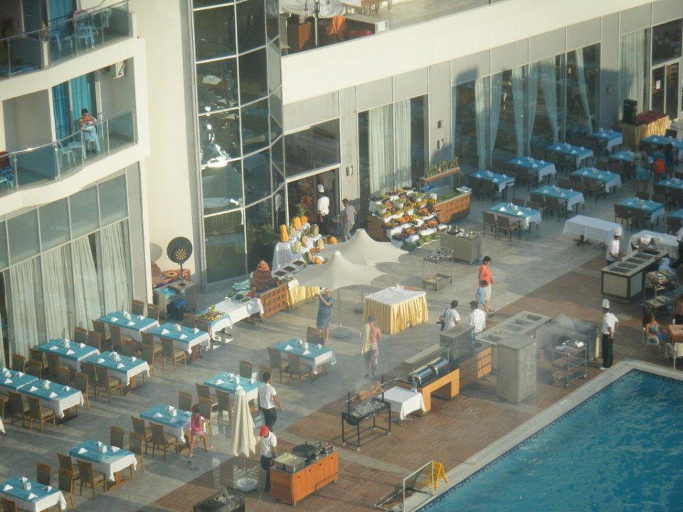 Ömer die gute Seele am Strand Hotel Narcia Resort Side