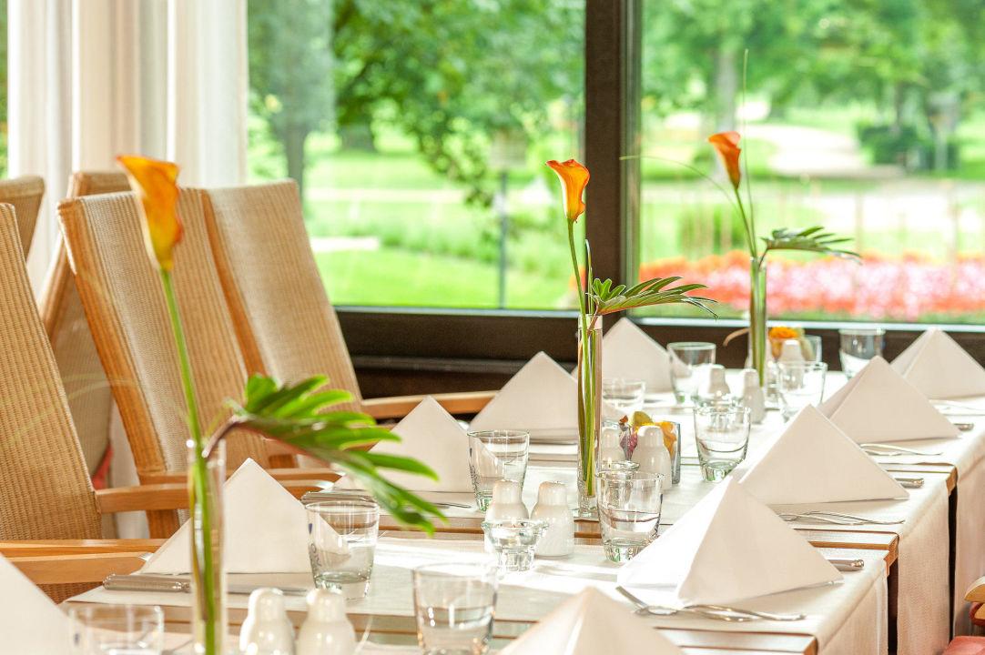 restaurant wintergarten am dahliengarten dorint parkhotel bad neuenahr bad neuenahr ahrweiler. Black Bedroom Furniture Sets. Home Design Ideas