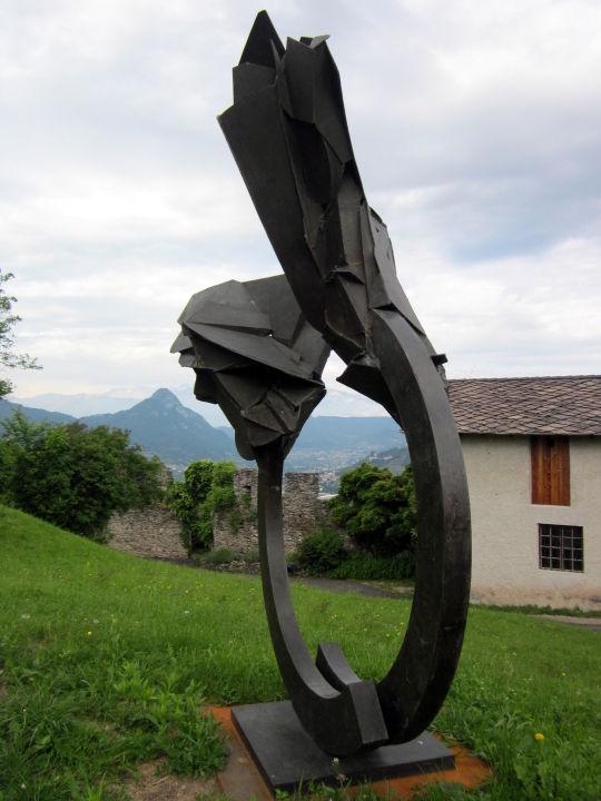 """moderne kunst im garten"""" castel pergine in pergine valsugana, Terrassen ideen"""