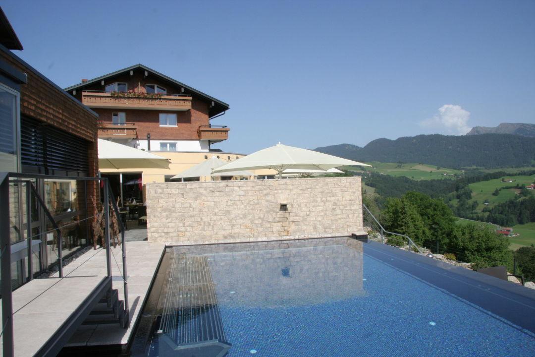 Infinity Pool Deutschland infinity pool mit blick in die berge bergkristall mein resort im