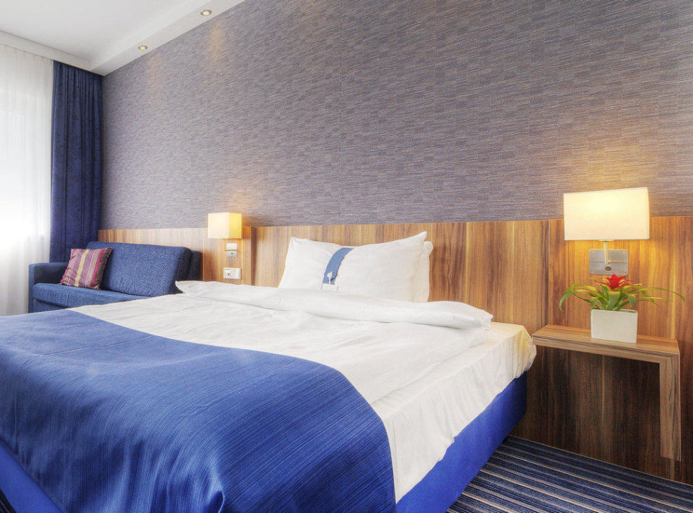 Queensize Bett Holiday Inn Express Hotel Bremen Airport Bremen