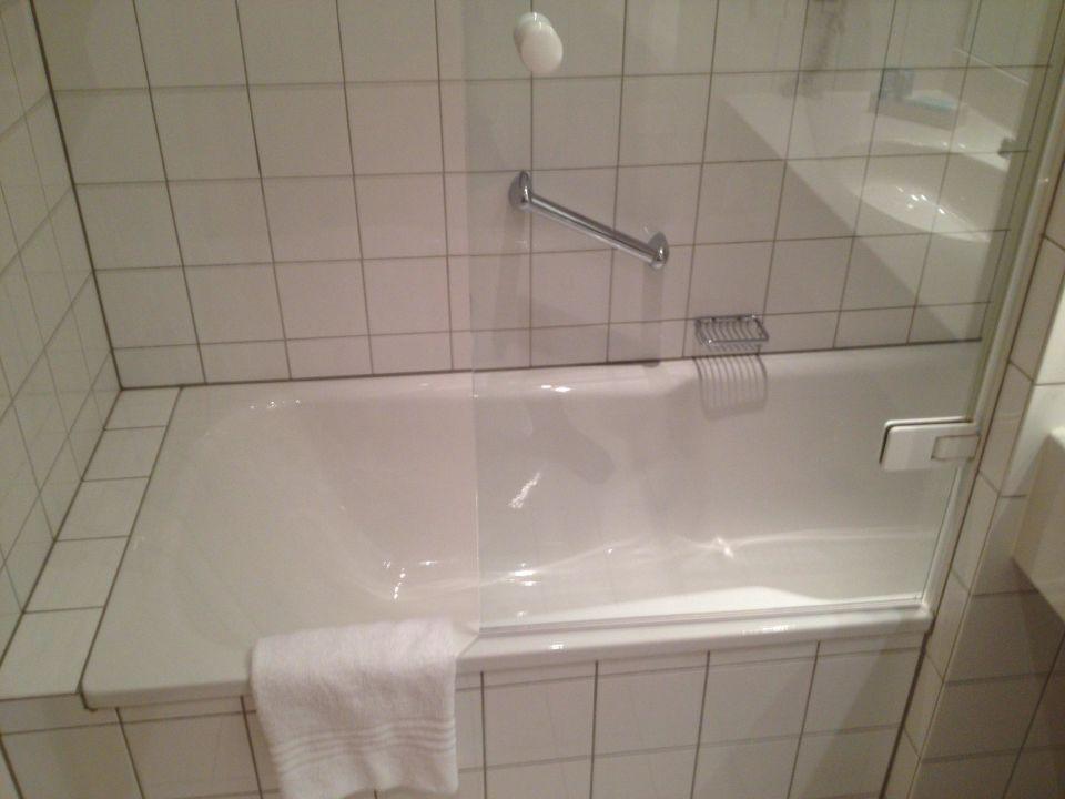 Badewanne Entsorgen Düsseldorf : Bild quot duschkabine zu dorint kongresshotel d?sseldorf