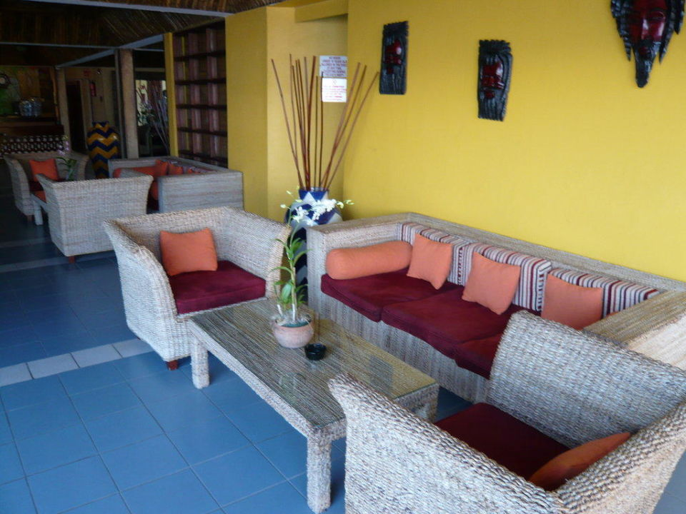 Sitzmöglichkeiten im Bereich der Lobby Hotel Royal Decameron Club Caribbean