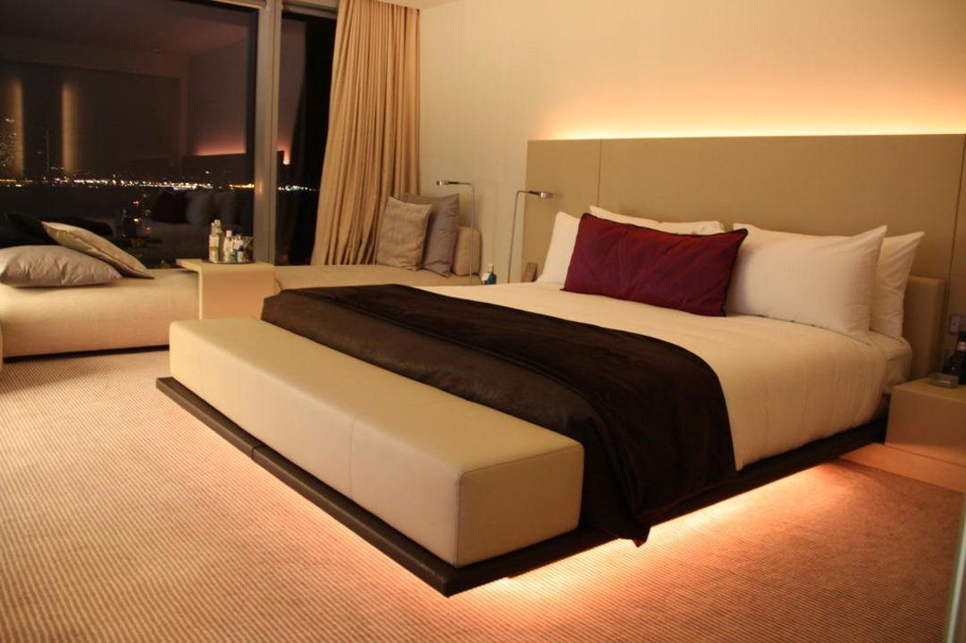 indirektes licht hinter couch ostseesuche com. Black Bedroom Furniture Sets. Home Design Ideas