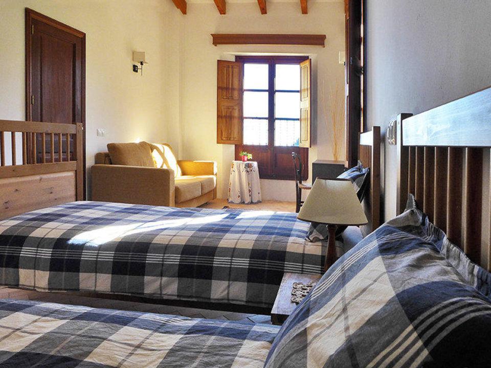 Double room with sofa bed Hotel S'Era Vella