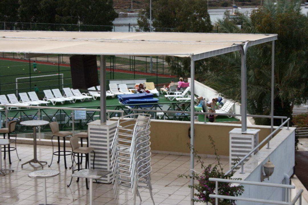 Bar morgens Hotel Eken Resort