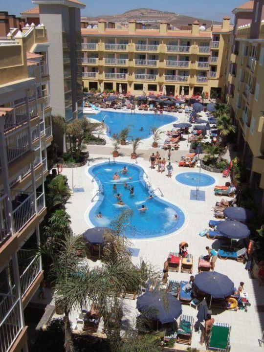 Costa Caleta Innenhof Chatur Hotel Costa Caleta
