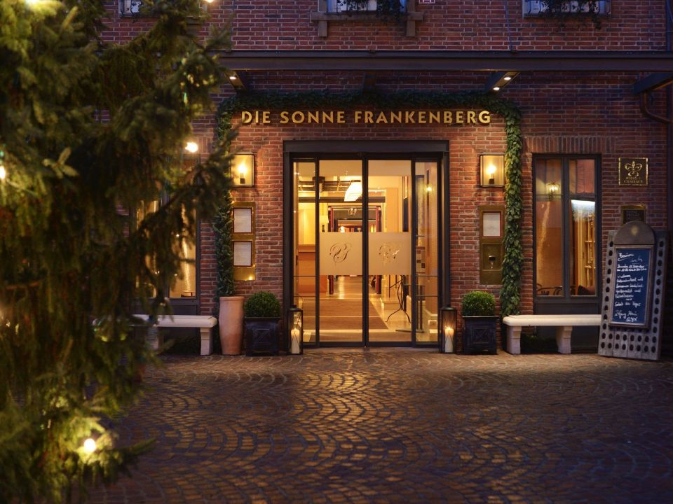 die sonne frankenberg relais ch teaux hotel hotel die sonne frankenberg frankenberg. Black Bedroom Furniture Sets. Home Design Ideas