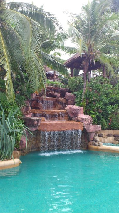 Wasserfall Am Pool Centara Villas Phuket