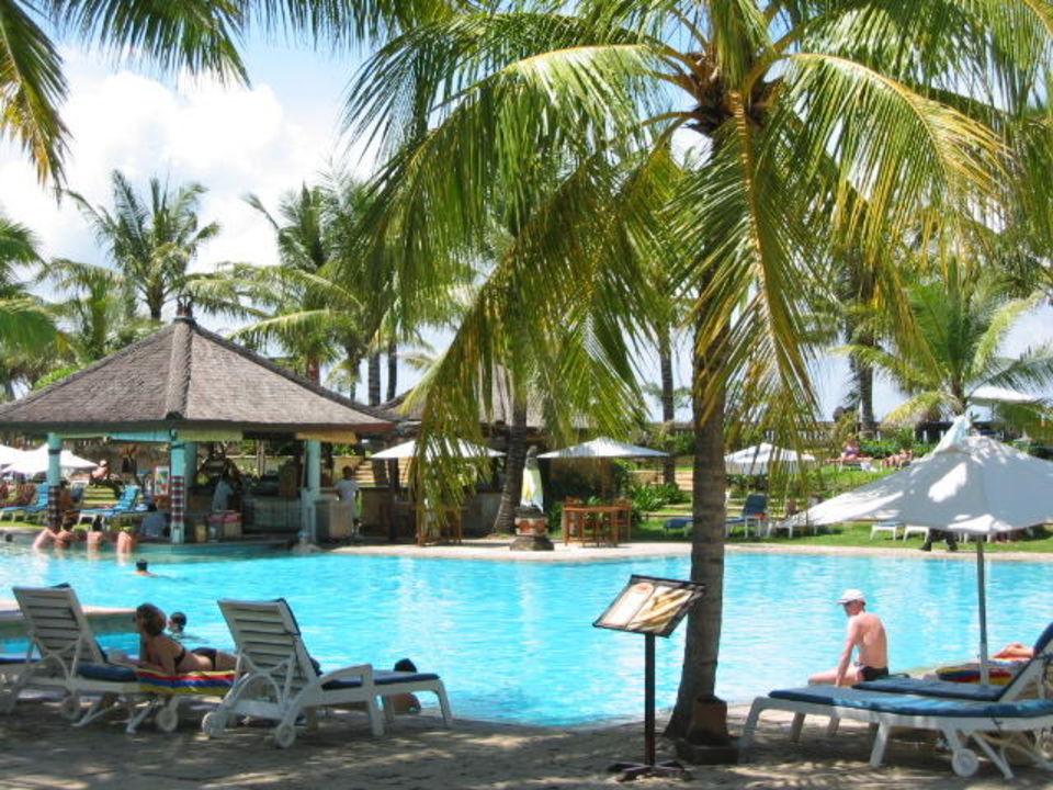 Poollandschaft des Bali Padma Hotel Padma Resort Legian