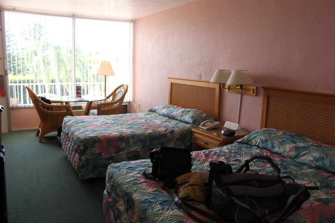 Zimmer Hotel Outrigger Beach Resort