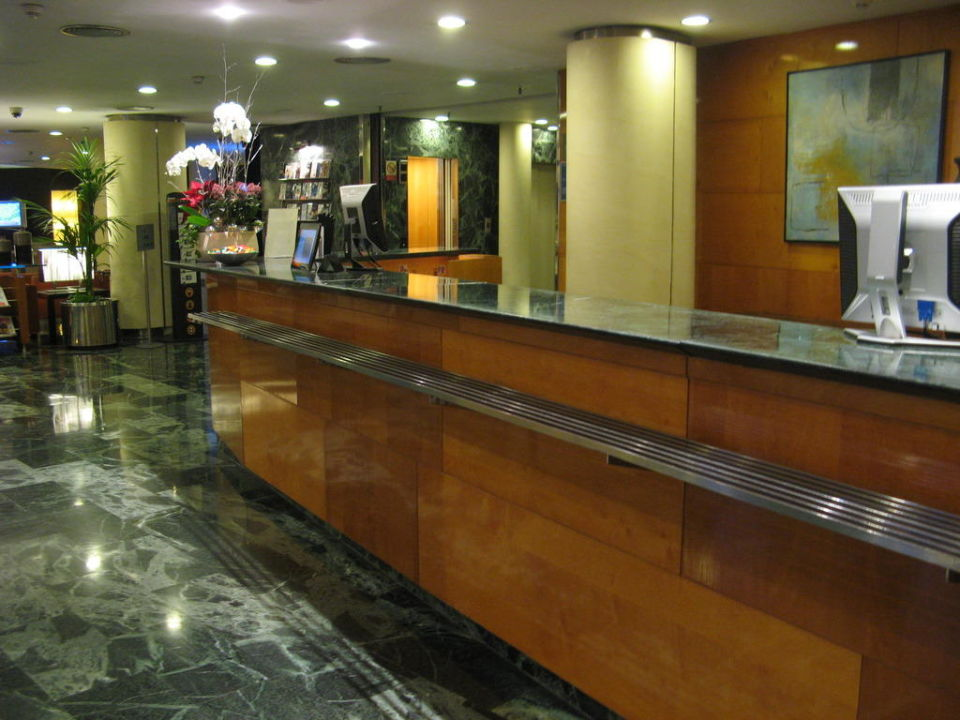Bild rezeption des nh podium hotels zu nh barcelona - Hotel nh podium ...