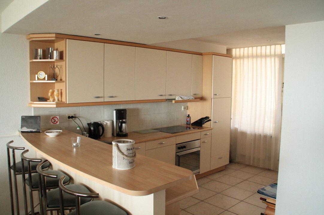 Offene Küche im Anschluß an das Wohnzimmer\