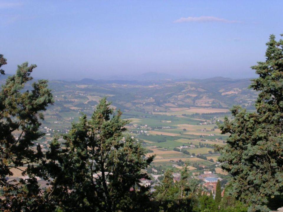 Blick auf Gubbio Hotel La Rocca