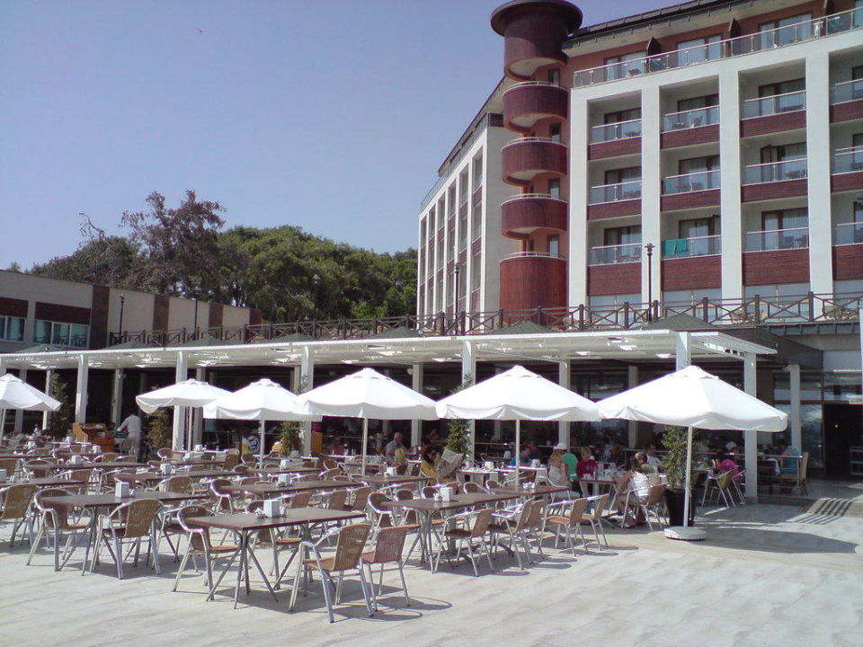 Außenterrasse des Hauptrestaurants Voyage Sorgun