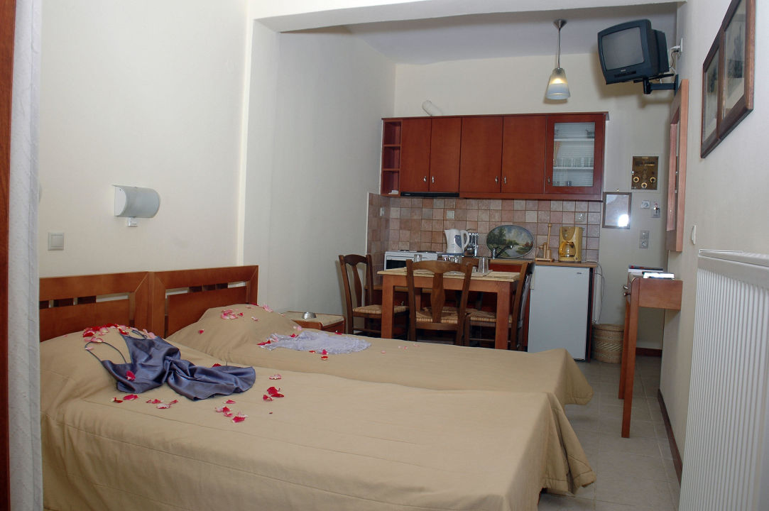 Villa Ganios Akroyali Hotel & Villas