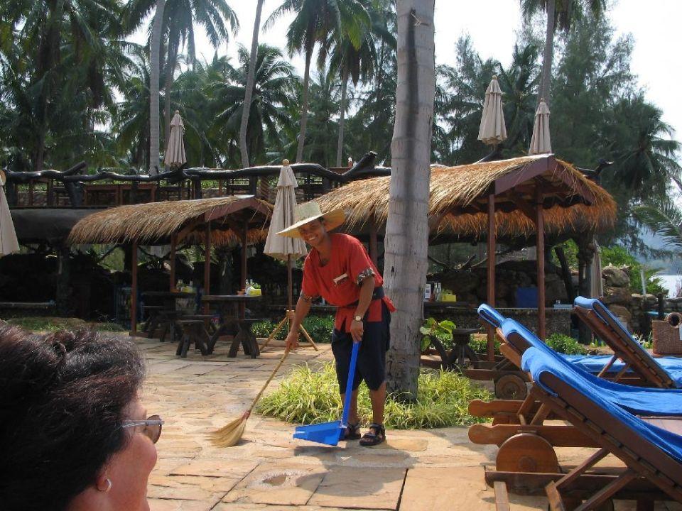 Der freundlichste Angestellte im Hotel Panviman! Santhiya Tree Koh Chang Resort