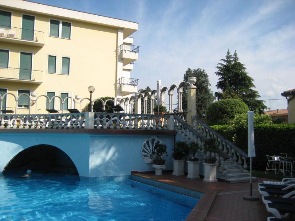 Aussenpool Hotel Olympia Terme