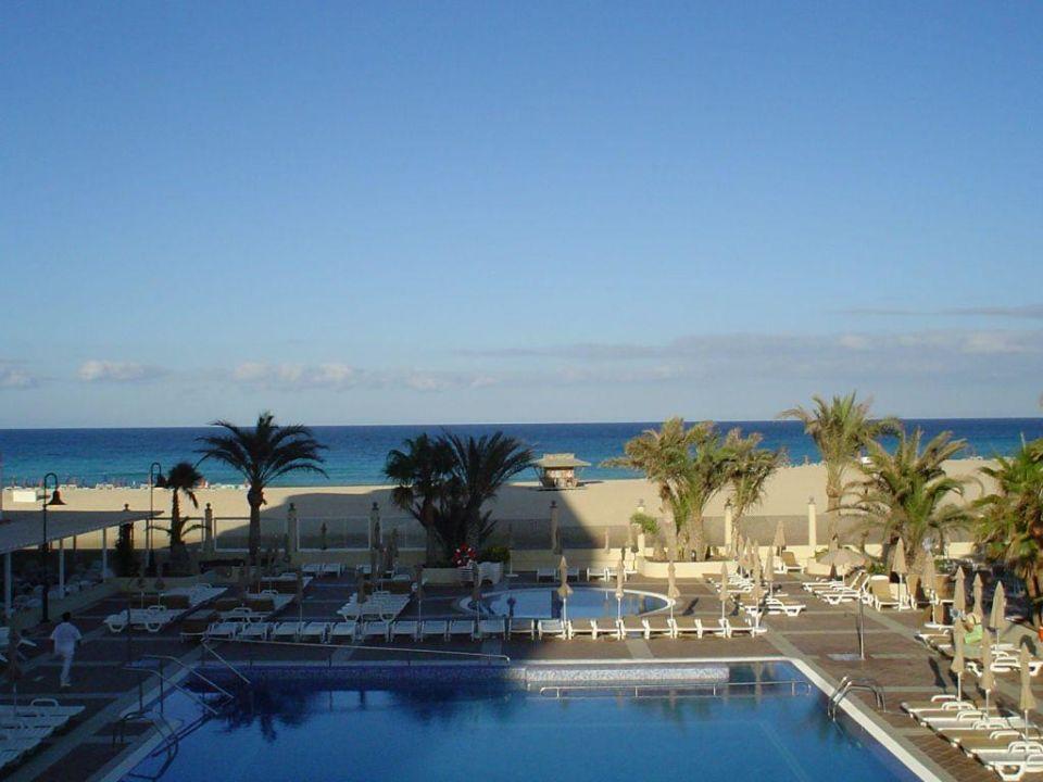 Hotelanlage mit Blick zum Strand Hotel Riu Oliva Beach Resort