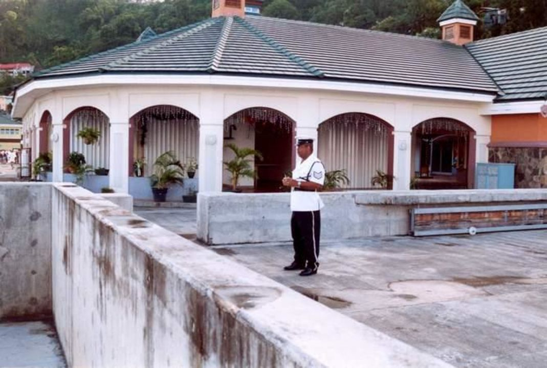 Hafengebäude Kingstown Mariners Hotel