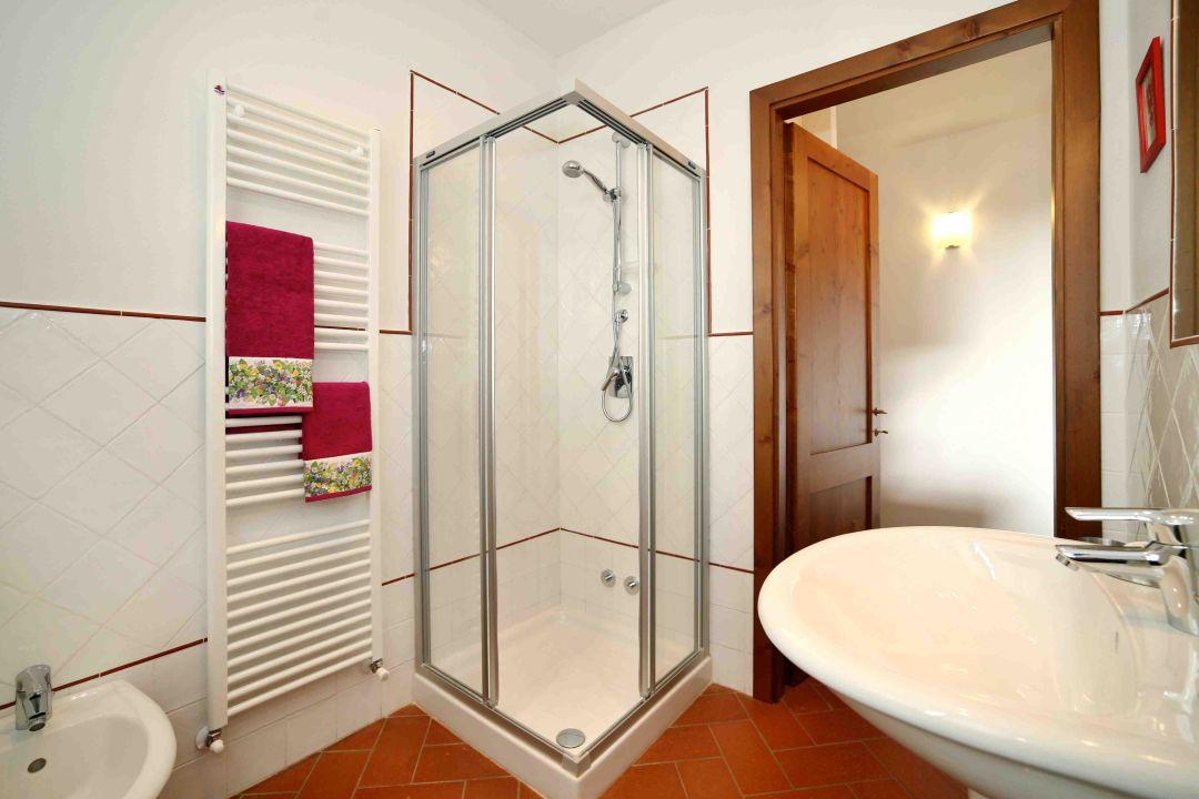 Machiavelli apartment - bathroom La Compagnia del Chianti