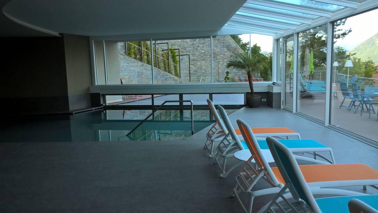 Schwimmbad innen aussen hotel schennerhof scena for Schwimmbad aussen