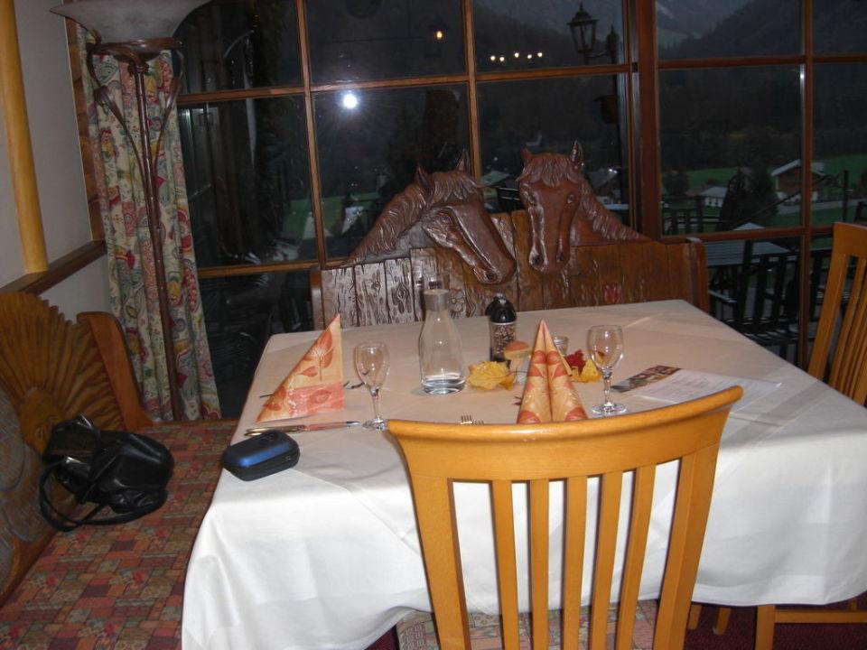Tisch Der Kleinwalsertaler Rosenhof