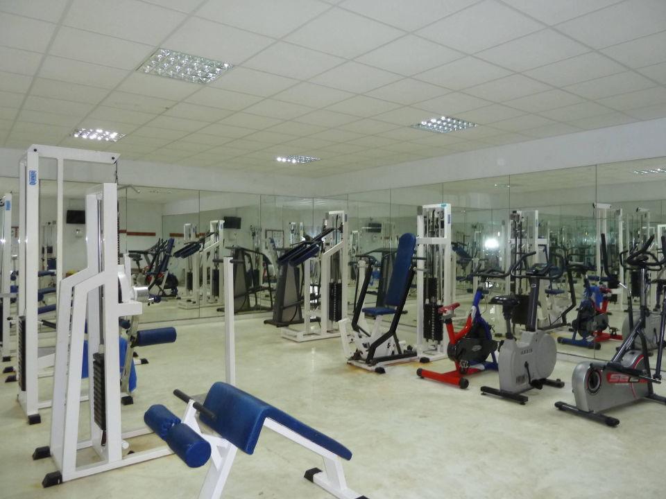 Fitnessstudio geräte  Fitnessstudio (alte Geräte, keine Freihanteln)