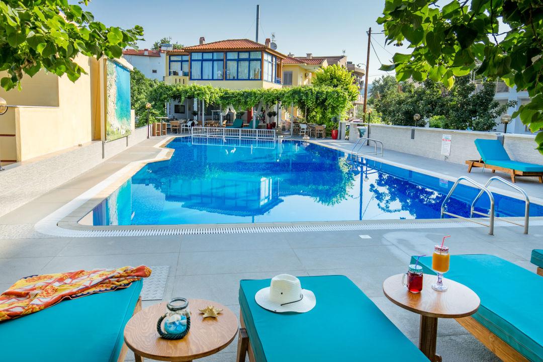 Pool Hotel Thalassies
