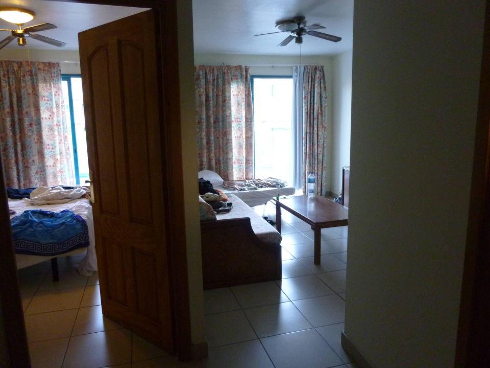 """wohnzimmer ohne tür als 2. schlafzimmer"""" apartments turquesa playa, Wohnzimmer"""