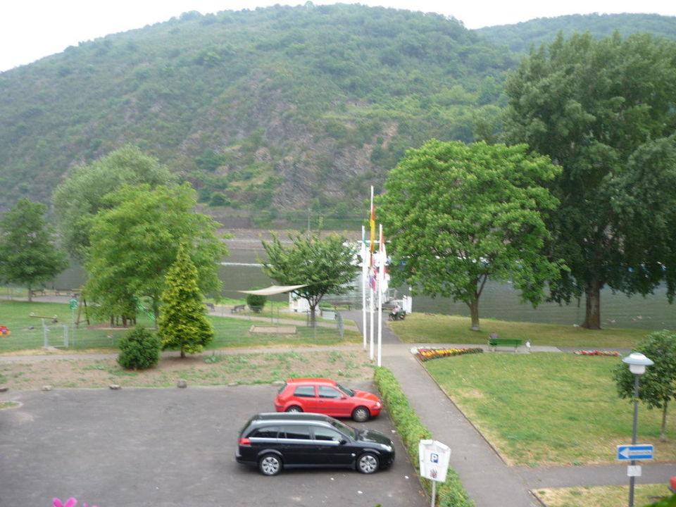 Hotelparkplatz und Mosel Hotel Garni Reis
