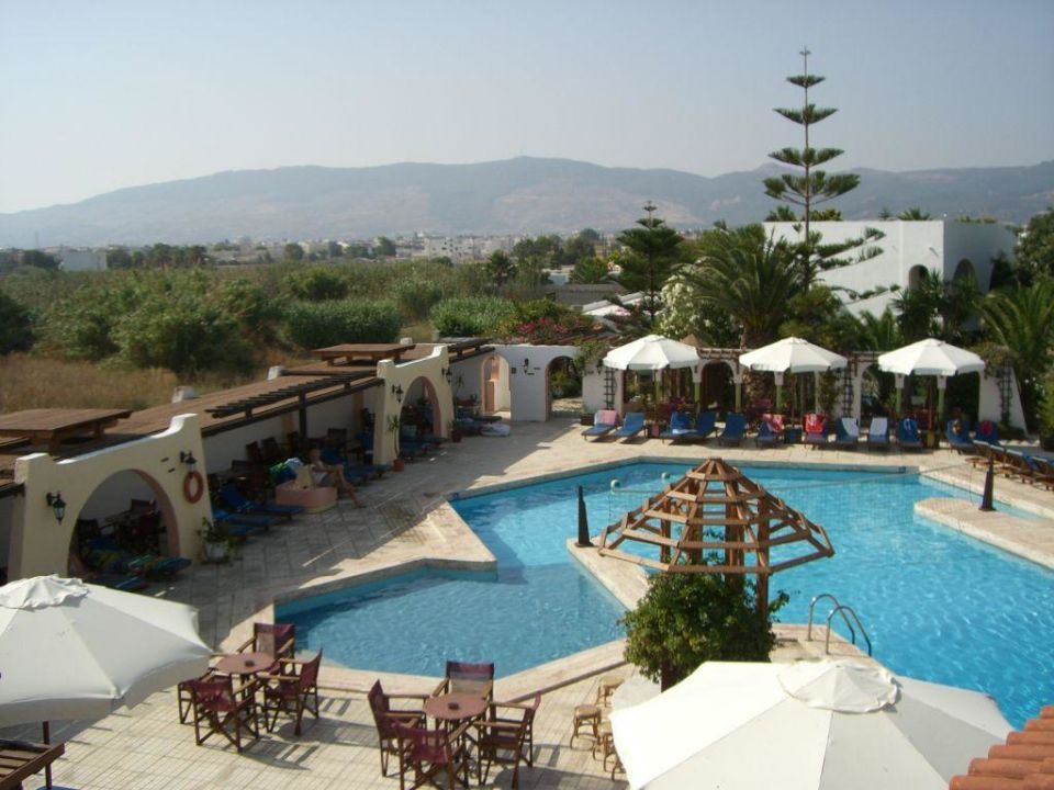 Poollandschaft Gaia Garden Hotel