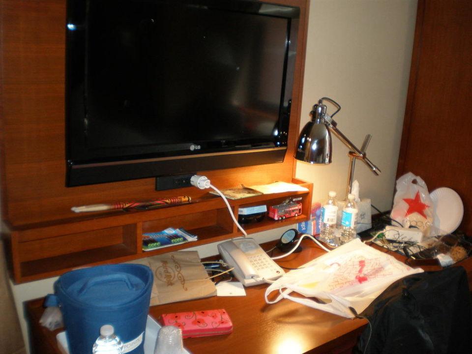 Schreibtisch und TV Hotel Four Points by Sheraton Midtown - Times Square