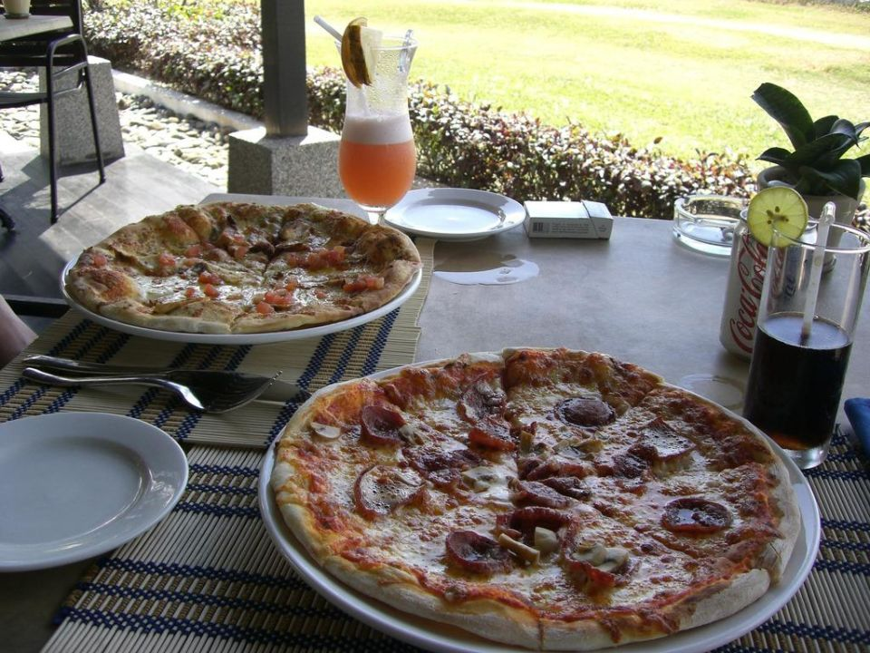 Pizza Hotel Nexus Resort Karambunai