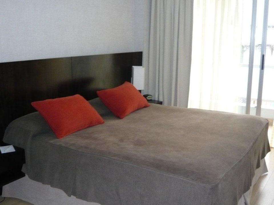 Modernes Bett Hotel Ayres de Palermo