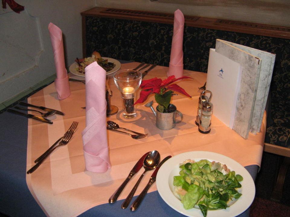 Tischdeko Abendessen Ifa Alpenrose Hotel Kleinwalsertal Mittelberg