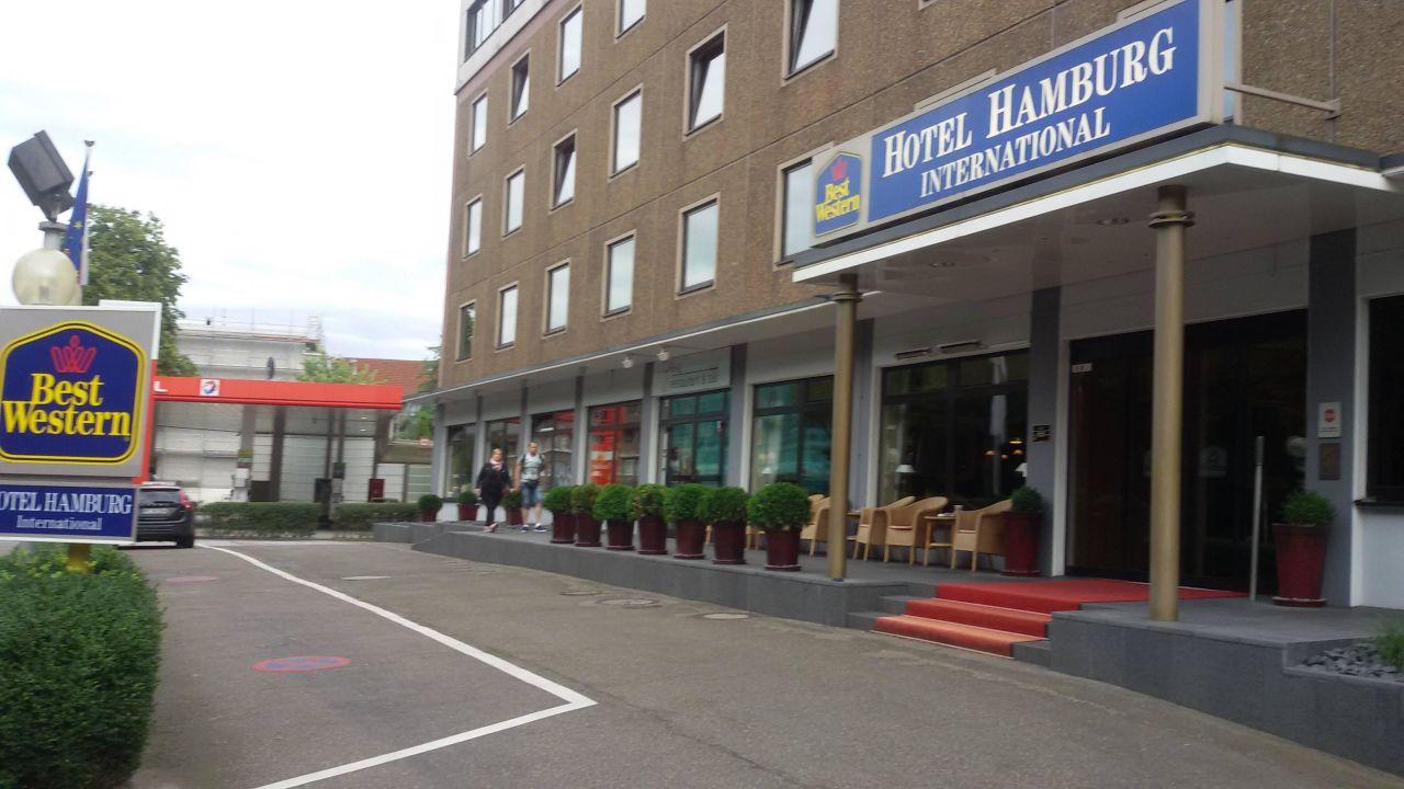 Vor dem hotel best western hotel hamburg international for Hotel international hamburg